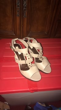 pair of white leather open toe ankle strap heels York, 17403