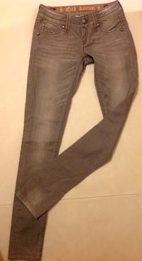 ROCK REVIVAL Women's Jeans Toronto, M6G