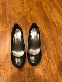 pair of black leather pumps Pasadena, 91101