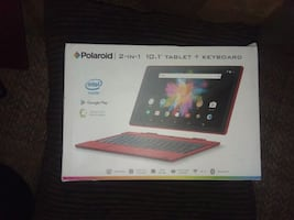 Polaroid tablet with keyboard