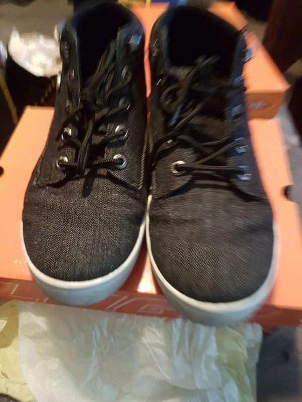 Mens sz 7 Lugz casual shoes