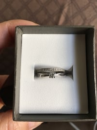 Diamond solitaire ring in white gold Toronto, M6H 1H4