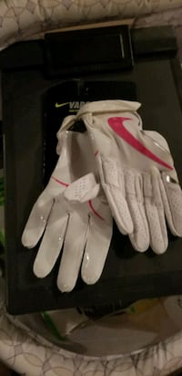 Adult medium vapor jet  nike receiver football  gloves Chapel Hill, 37034