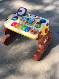 V-Tech 2-in-1 Discovery/ Learning Tables Cudahy, 90201