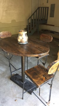 **High Bar table and 3 chairs** Nashville, 37027