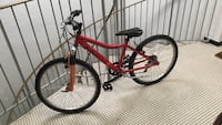 Bicyclette rouge Angers, 49100