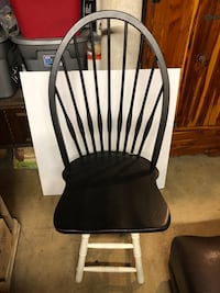 Black and white wooden windsor chair Ijamsville, 21754