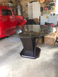 Beautiful Dining Room Table (only) MAKE ME AN OFFER!