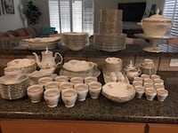 Ivory/gold porcelain dinnerware Los Angeles, 91311