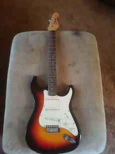 sunburst statocaster electric guitar