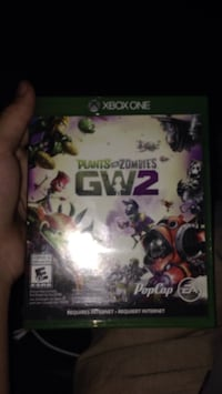 Xbox 360 Plants vs Zombies GW2 game case Aurora, L4G 7J2