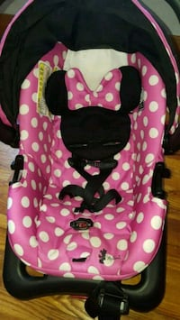 Minnie mouse carseat  Decatur