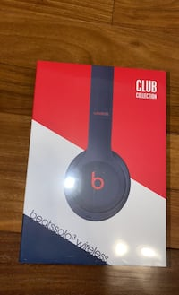 Beats Solo 3 Wireless brand new sealed box. Centreville, 20120