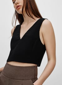 Aritzia Wilfred Dauphine Crop Top in black VANCOUVER