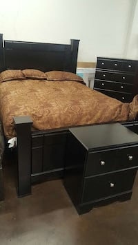 description queen size bedroom set for sale used great condition