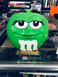 Green and white M&M Connellsville, 15425