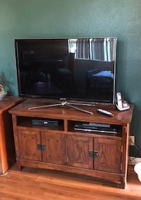 Mission style tv stand Lake Elsinore, 92532