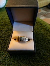silver-colored ring with box Stockton, 95205