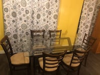 Table and 6 chairs Hemet, 92544