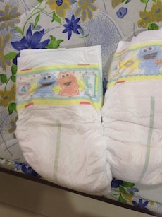 Pampers diapers size M