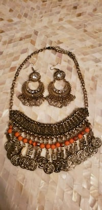 Necklace and earring set. $10.00 each set. Laval, H7W 1V3
