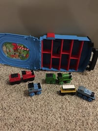 Thomas the train carrying case and trains 551 km