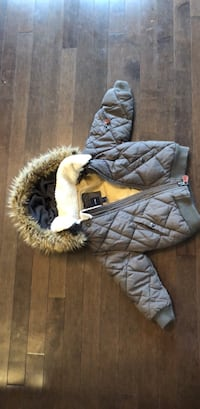 Gap Gray jacket 3 years old Brossard, J4Y 0K3