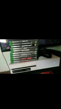 Xbox one with 10 games and 2 controls Fresno, 93711
