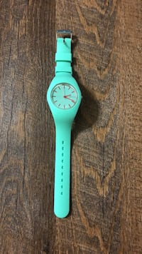 Round blue analog watch with teal strap Tampa, 33625