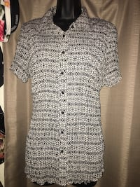 Like new Lane Bryant 14-16 dress blouse in great condition no rips or stains located off lake mead and jones area asking $3 Las Vegas, 89108