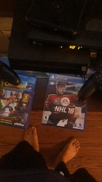 Ps4 console 2 games controller and turtle beach head set not open Orangeville, L9W 2W7
