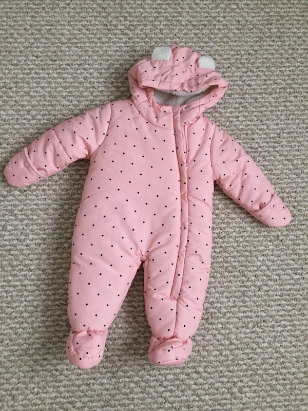 Brand new (without tags) Carter's snowsuit - size 12 months