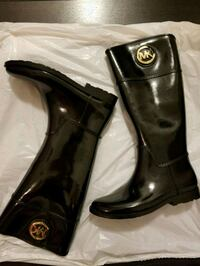 pair of black leather boots Vaughan, L4K 0A2