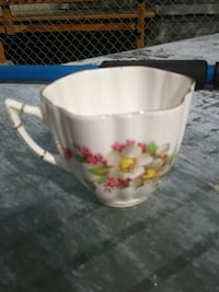 white and red floral ceramic scalloped edge cup Anchorage, 99504