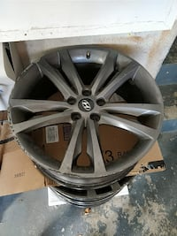 gray Hyundai 5-spoke vehicle wheel Brampton, L6R 1N7