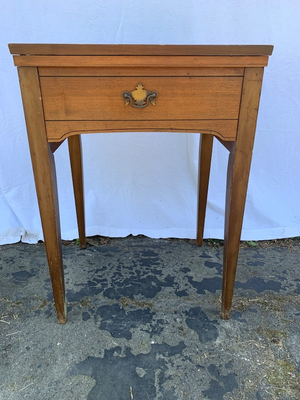 Strange Antique Sewing Machine Table Home Interior And Landscaping Transignezvosmurscom