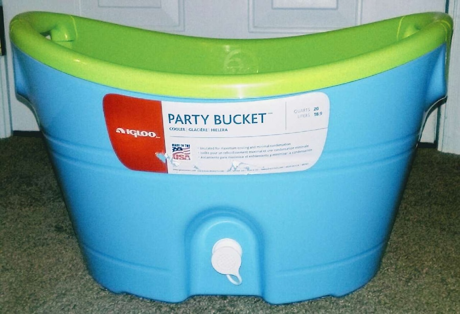 Quot Igloo Quot Party Bucket Cooler In Cleveland Letgo