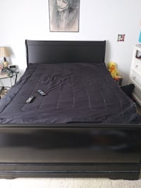 Like new Black Slay Bed with mattress need gone ASAP Lorton, 22079