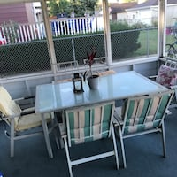 White and gray patio table set Evergreen Park, 60805
