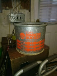 Vtg old bait bucket minnow
