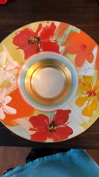 Beautiful hand painted bowl from Germany. Perfect condition. No chips   Wauconda, 60084