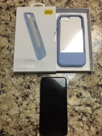 iPhone 7 Free of scratches and NEW otter box Morehead City, 28557