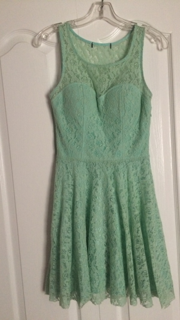 Used Mint green semi formal dress. Size 3 4 for sale in Peterborough ... 4aacb9a41
