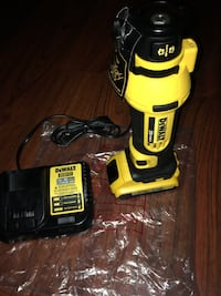 Dewalt 20V Max Cut Out Tool Kit (1) Battery & Charger included  New York, 10453
