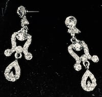 Dainty silver earrings New Westminster, V3M 2X8