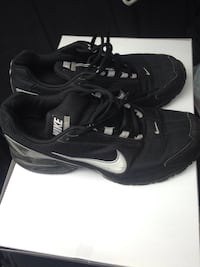 Pair of black nike running shoes US 9, UK 8, EUR 42.5 used but still in good condition  Bensalem, 19020