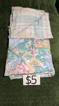 Beautiful Twin Reversible Comforter & Pillow Case Mississauga, L5M 4S9