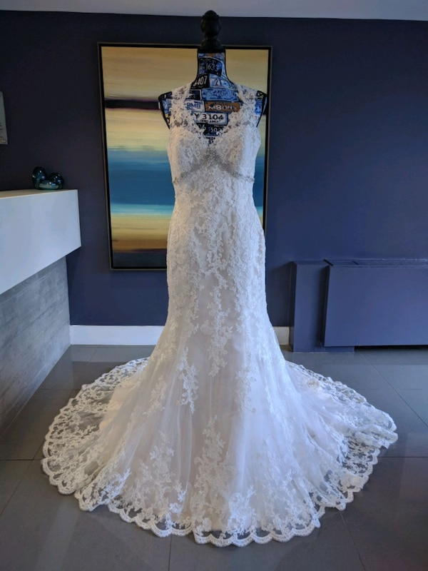 Jasmine Collection ivory gold wedding gown size 12 9bb59bcd-2e42-4ac4-97dd-8f7b6c756572