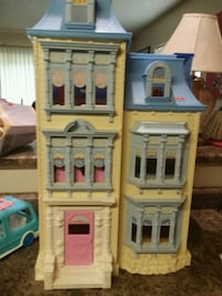 my loving family dollhouse  Des Moines, 50320