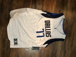 Brand new with tags Luka Doncic mavs nba store jersey. Size large